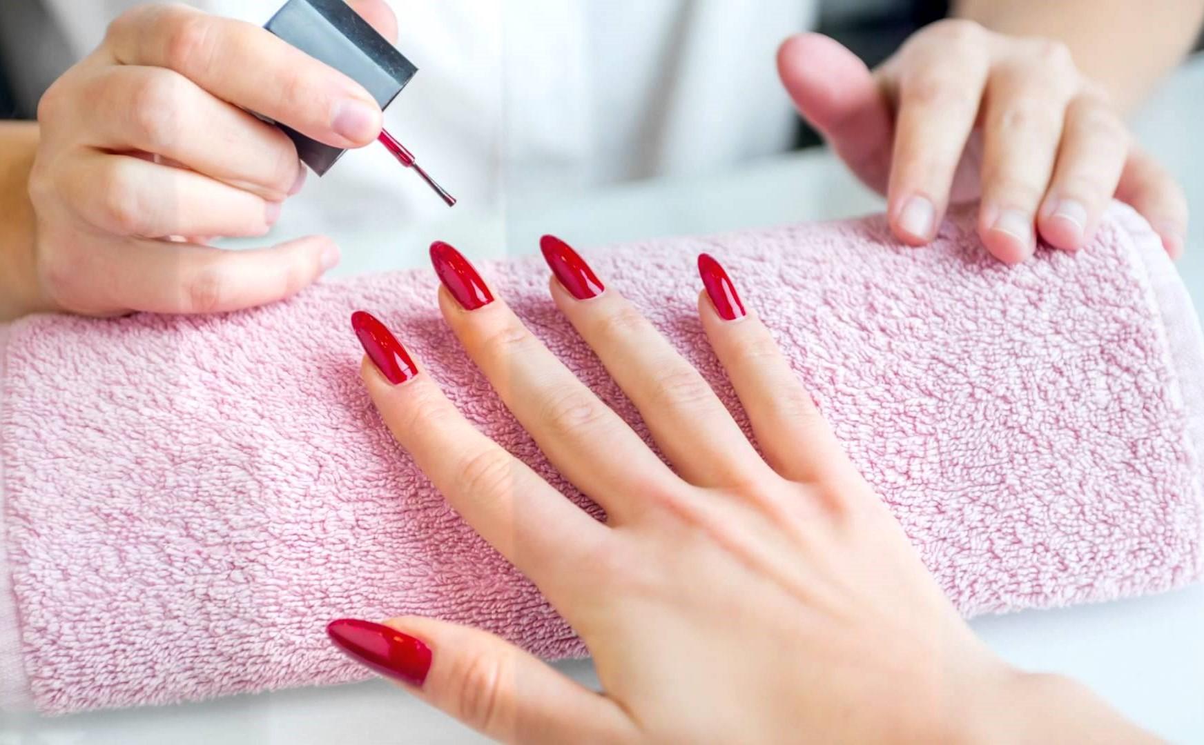 Как красиво накрасить лаком ногти фото