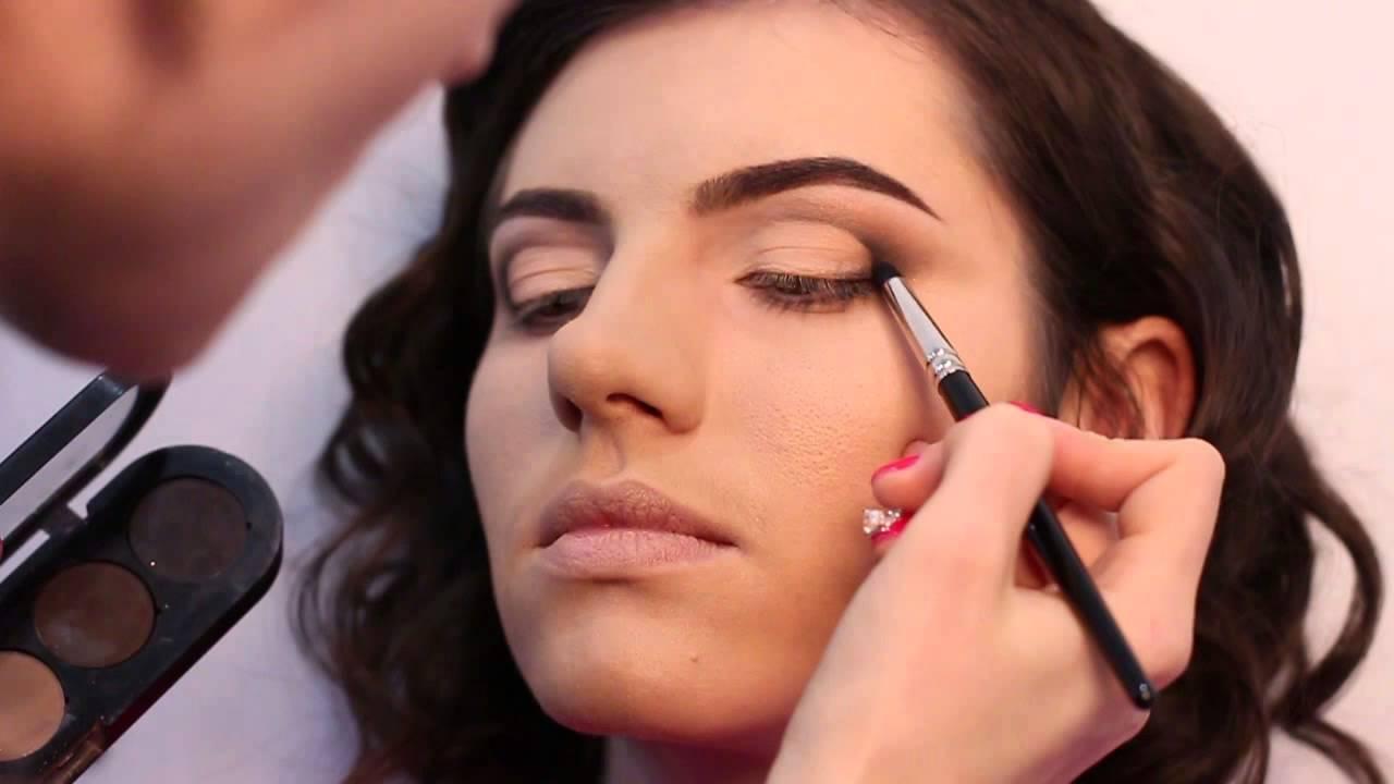 Техники макияжа «Смоки айс» и «Банан» – пошаговые инструкции и рекомендации