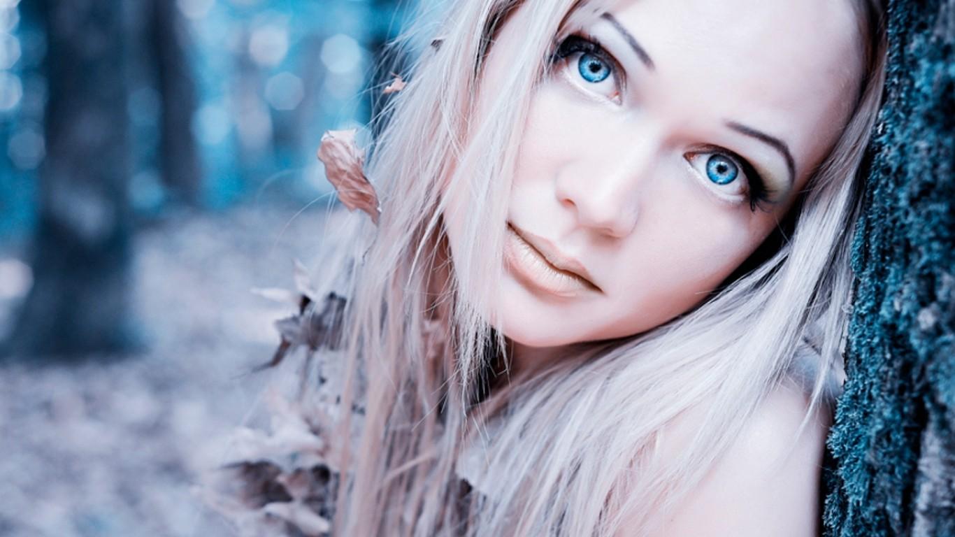 Виды голубого цвета глаз