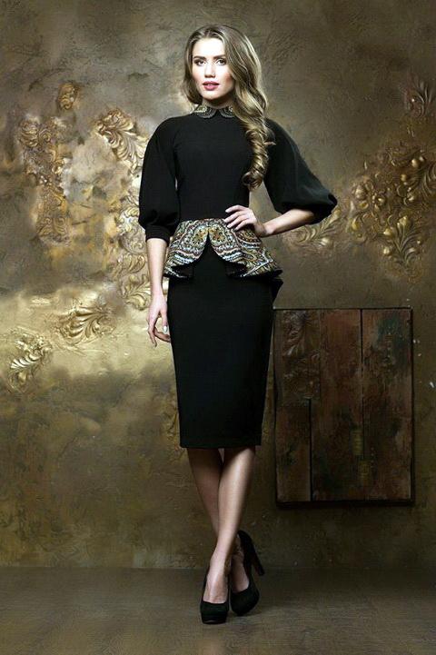 Черное платье блондинкам