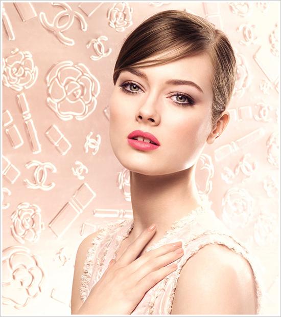 Макияж под нежно розовое платье