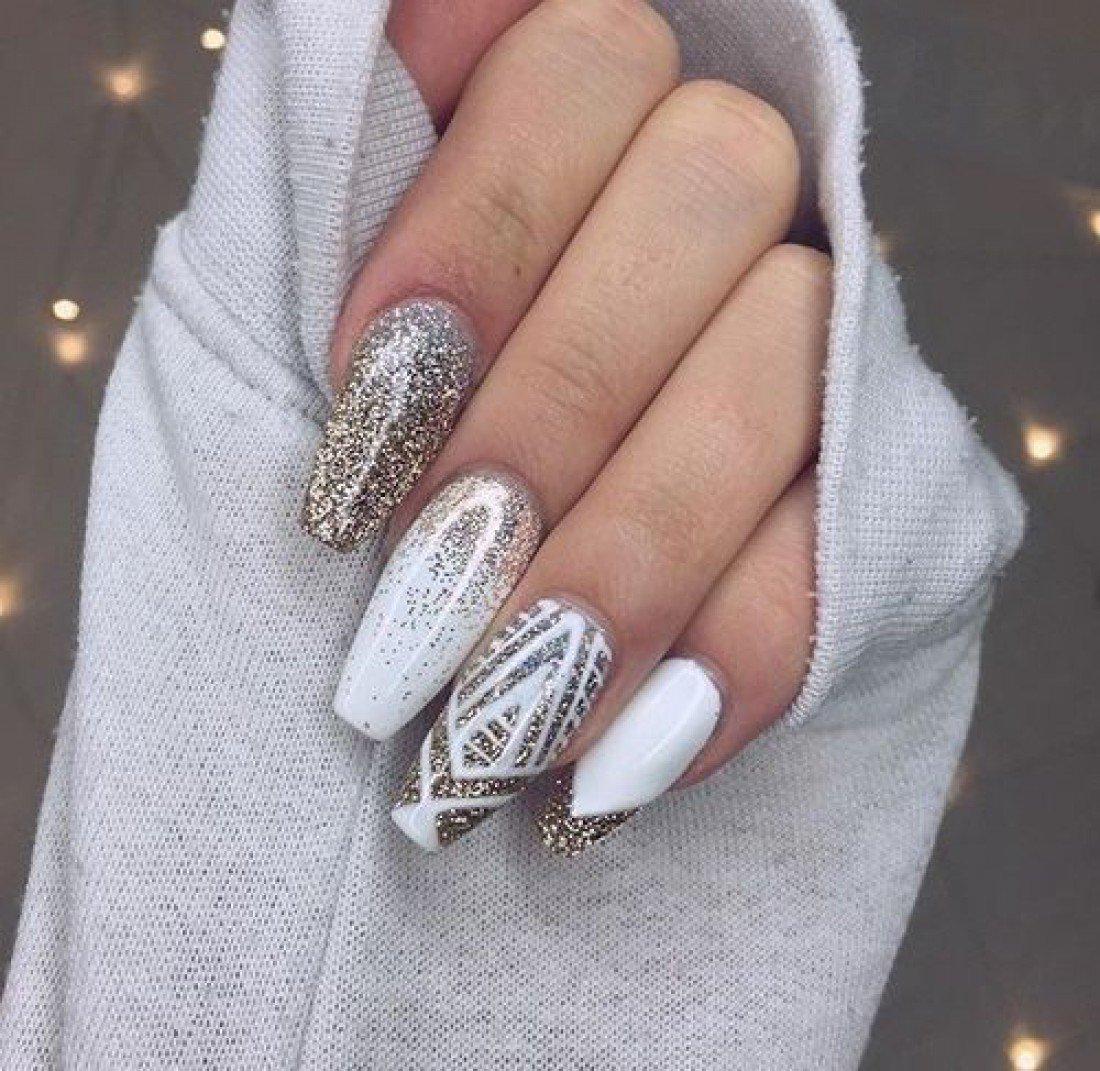 Маникюр на длинные ногти зима
