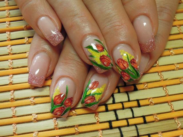 Маникюр с тюльпаны на ногтях фото