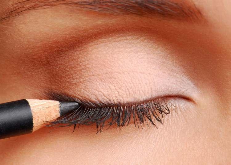 как сделать макияж нежный с блеском на коже