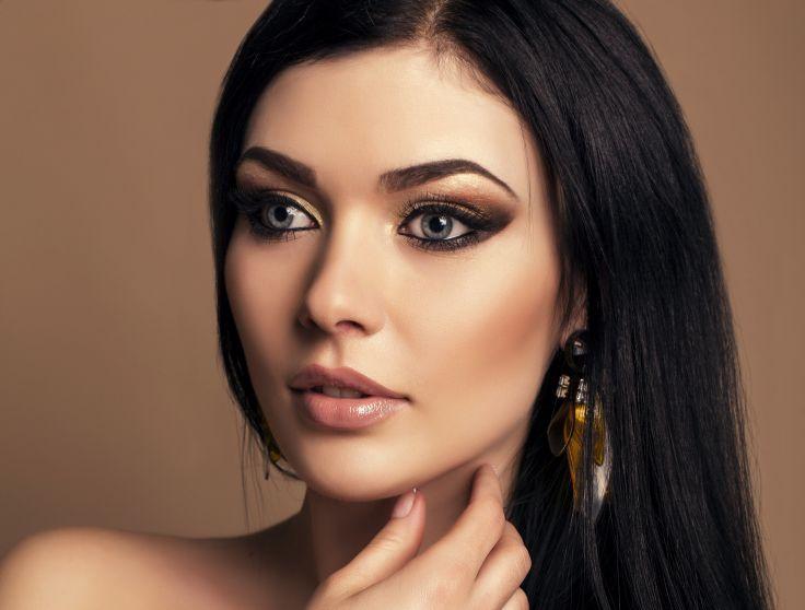 Фото макияж для брюнеток с голубыми глазами