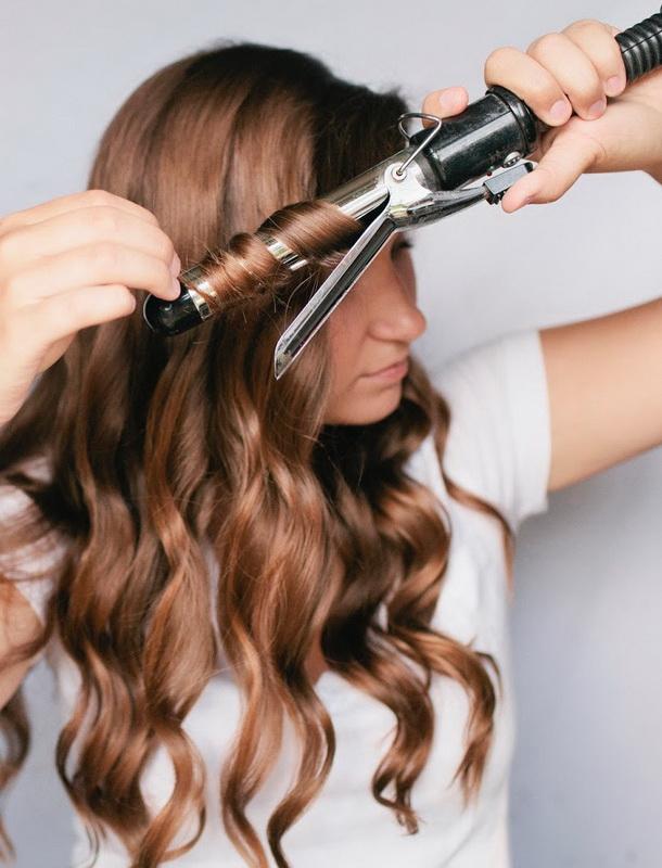 Преимущества профессиональных плоек для волос DEWAL