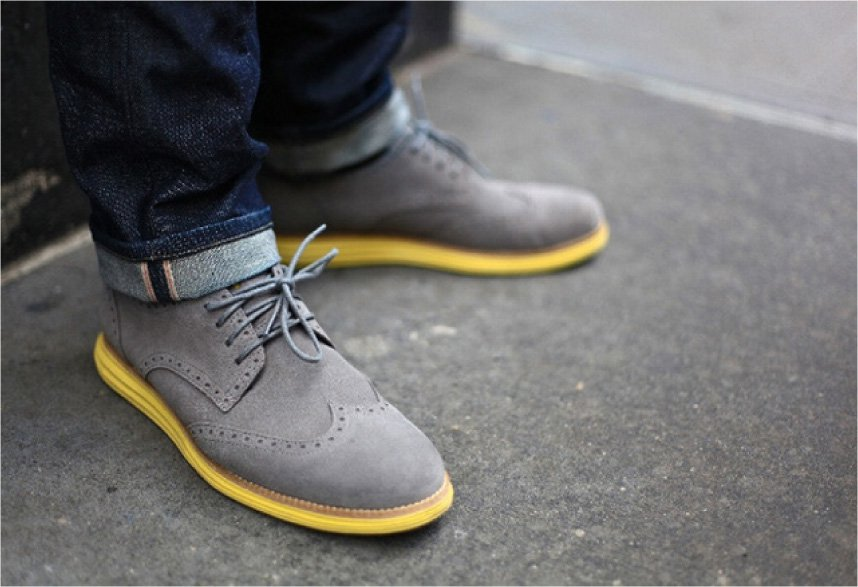b9ddeda0a Если на обуви из искусственной замши появляются сильные загрязнения, то ее  можно постирать при температурном режиме 30-40 градусов, используя средства  для ...