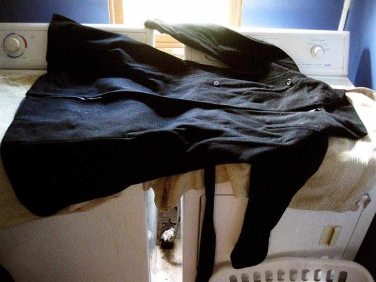 Как постирать шерстяное пальто в домашних условиях