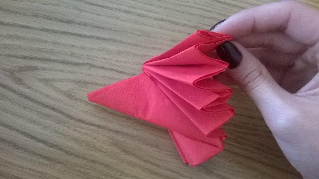 Как сделать салфетки на стол из бумаги 70