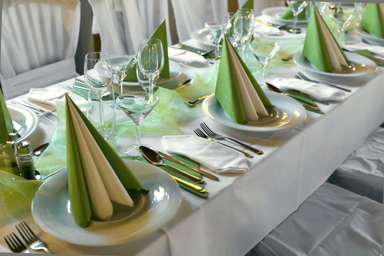 Бумажные салфетки для сервировки стола своими руками фото