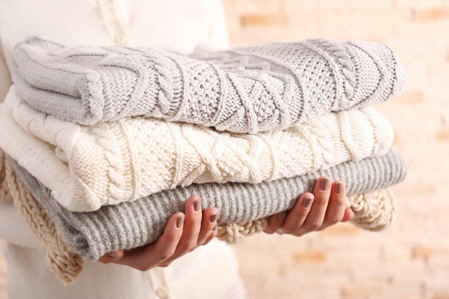 как постирать вязаную вещь чтобы она села как постирать свитер