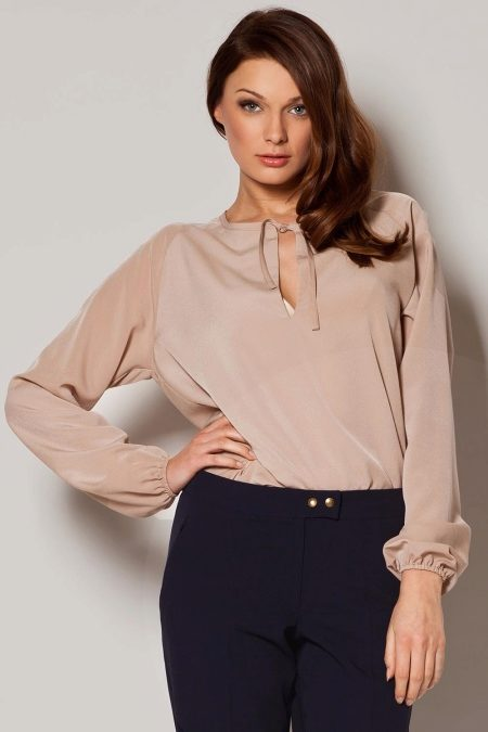 3f2560eabe0 Изысканные модели с длинным рукавом демонстрируют бренды Lady Secret