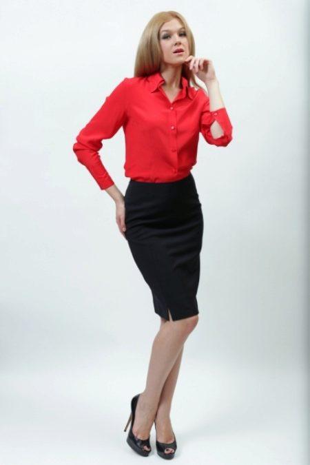 Красная  карандаш с черной блузкой фото
