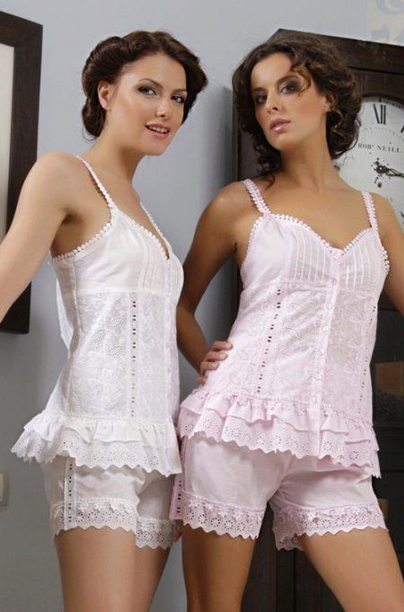 Женское белье панталоны и чулки фото массажер корея для шеи
