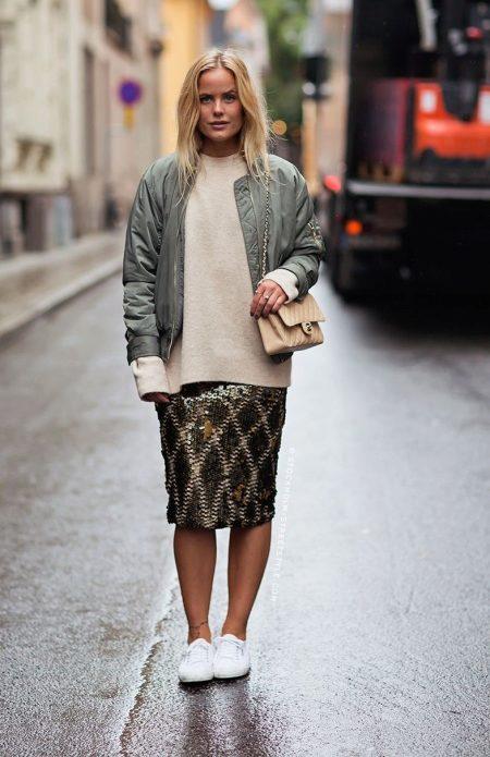 Мода юбки и кеды