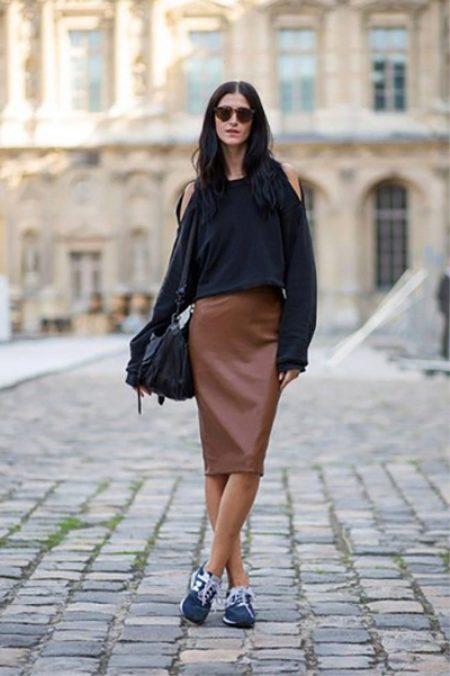 kozhanaya yubka 26 - Кожаная юбка (197 фото) 2018: модные фасоны, мини, миди, длинная, с чем одевать