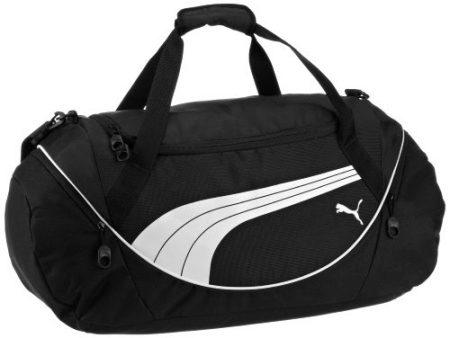 84b06d9258f5 Спортивная сумка Пума (Puma) выполнена из качественных водоотталкивающих  материалов. Отдельные детали сумки имеют несколько слоев.