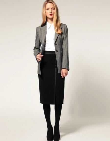 Какие носить колготки с чёрной юбкой