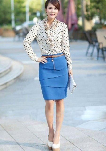 Синяя юбка карандаш обувь