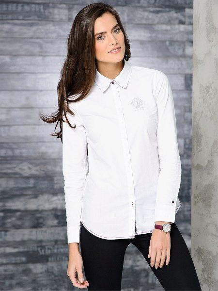 3095e90c8b8627a Имея неброский вид, белая рубашка сочетается практически со всеми видами  одежды. Она создаёт прекрасный контраст с яркими модными вещами,  подчёркивая их ...