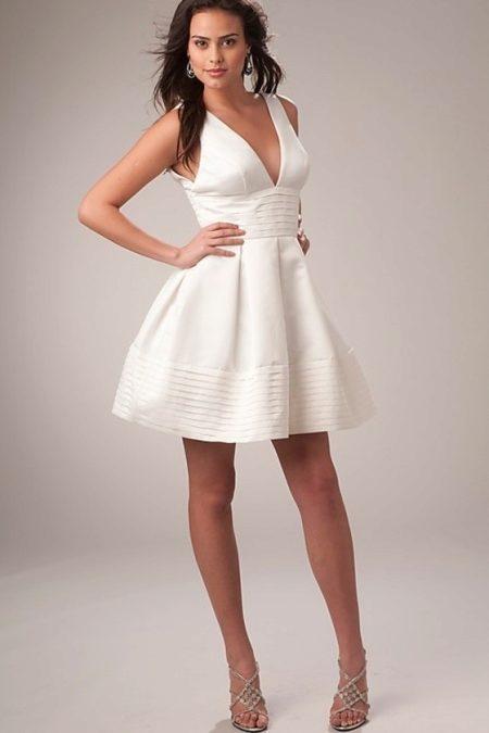 Платья белого цвета короткие