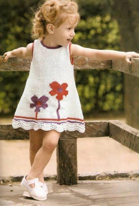 5446a97fcbf Легкое платье А-силуэта можно отнести к универсальным моделям