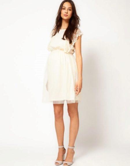 895cabe25e551f Женщина в таком платье смотрится очень мило и красиво. Данную модель можно  носить на протяжении всей беременности. Для большего удобства, выбирайте  платья ...