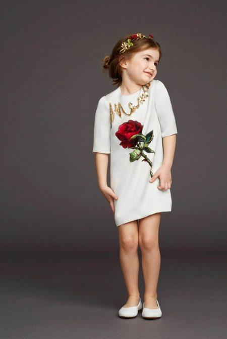 Как украсить платье розой