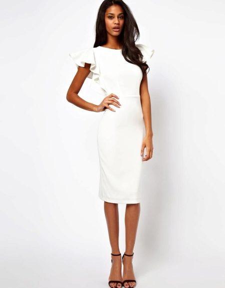 9fe76d92ba838f3 С чем носить белое платье (65 фото): летом, платье-рубашку, как ...