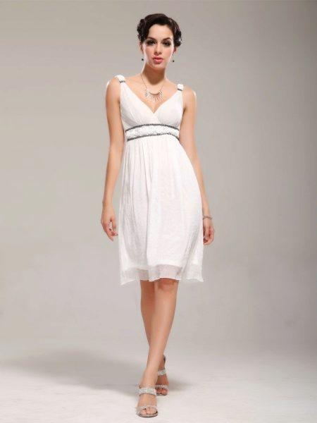 7b53f70e8b3c Выбирая вечернее платье для беременных, уделите внимание удобству. Помните,  что вы являетесь украшением платья, и если вы будете чувствовать себя  комфортно, ...