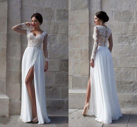 Платье с кружевным верхом и юбкой из тяжелого атласа