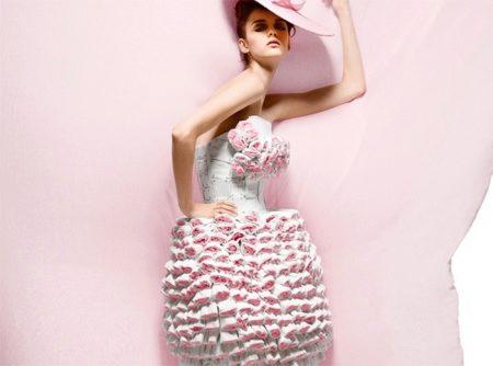 Девушка с натуральной грудью в прозрачном платье фото фото 636-761