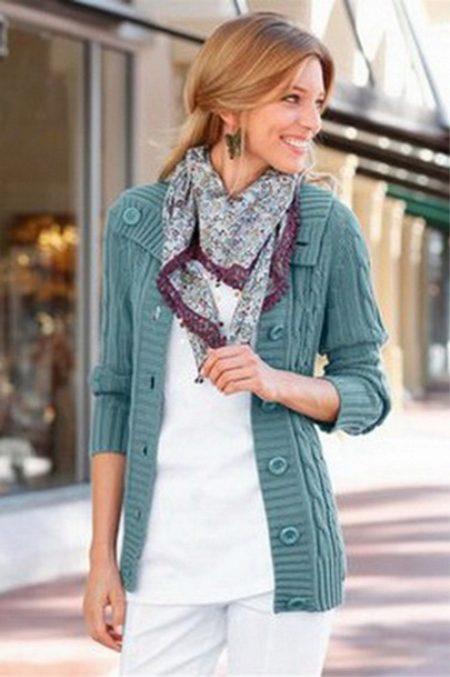 713ad18296c0 Ideálny pre chôdzu sivý sveter s krátkymi rukávmi