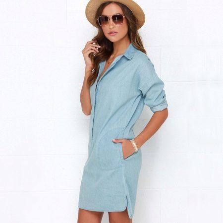 afbd80e82d6 Темно-синее джинсовое платье отнюдь не кажется мрачным. Оно подойдет для  деловой и повседневной жизни