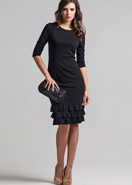 Платье внизу с воланом (80 фото) 2018: с чем носить, широкое, короткое, длинное, черное, модное