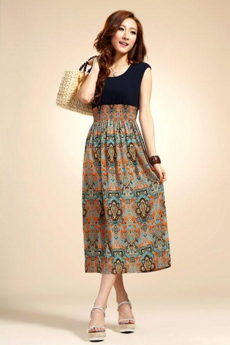 Платье с подогнутым низом