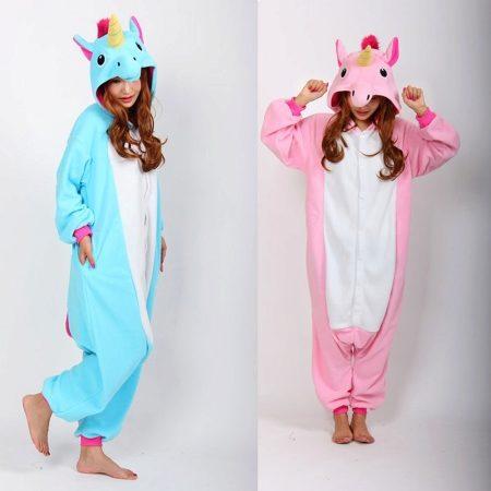 Яркий костюм-пижама единорога – это отличный подарок c0265e767431f