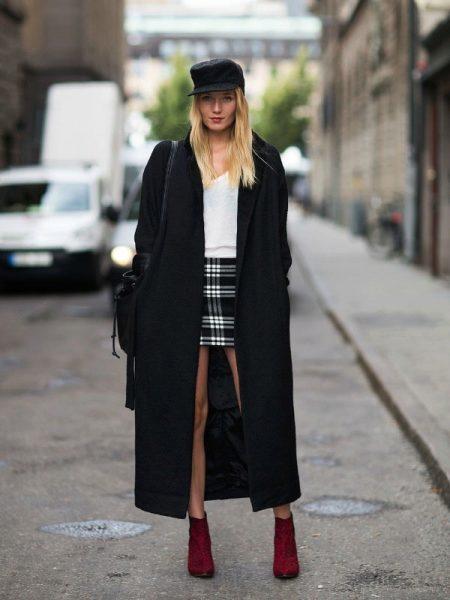 Модные черные пальто новые фото