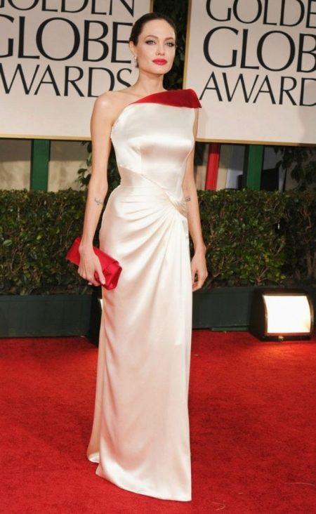 02183049b566 Herečka Amy Adam si zakúpila šaty s jedinečným dekorom na oscarový  ceremoniál. Šaty samotné boli vyrobené z kamienkov