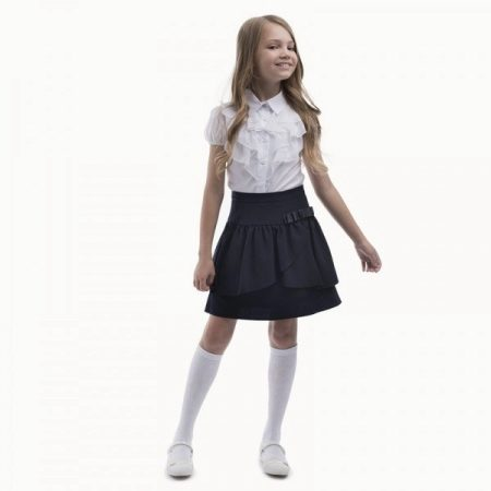 Модная юбка с блузкой в школу