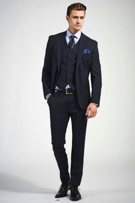 Парень рекламирует костюм фотка фото 522-613