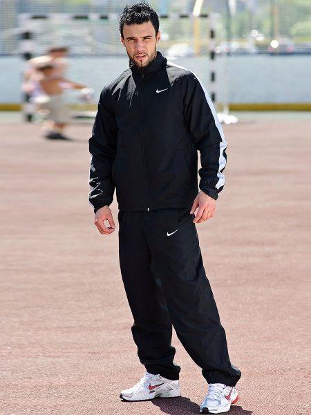 Спортивные костюмы Найк (Nike) (66 фото)  женские и мужские костюмы ... 33c0562a065fd