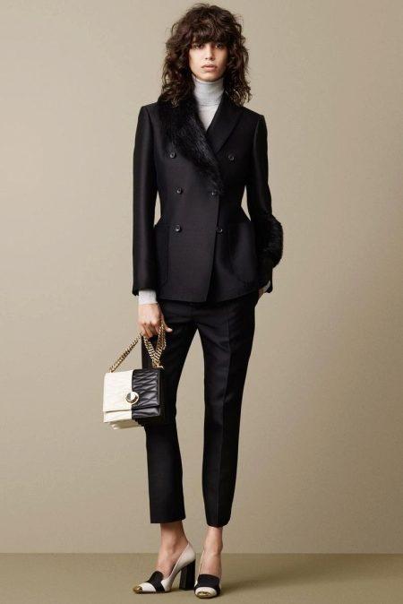 Обувь к женскому костюму с юбкой