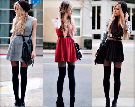 Девушки в коротких платьях и черных колготках