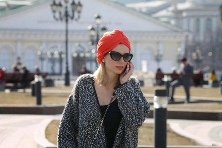 Шапка-чалма или тюрбан 2018 (121 фото): с чем носить и кому идет, из ткани и трикотажа, английской резинкой