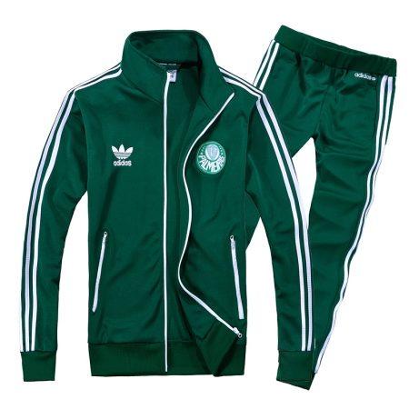 b0a77d4e Кроме этих, есть и другие варианты расцветки для спортивных костюмов Адидас,  например, в цвета российского флага или цвета логотипа популярных  футбольных ...