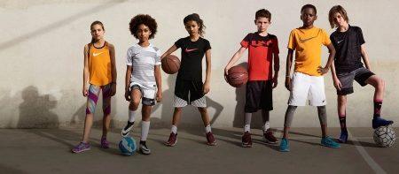 7404e311cbea Футбольные кроссовки Найк для детей станут идеальным выбором для будущим  футболистов, поскольку обувь создана для данного спорта и обладает  уникальными ...