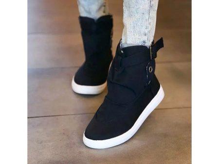 Их легко обувать, не завязывая шнурки, и не фиксируя обувь на ноге  липучками. Кроссовки без шнурков выглядят стильно и прекрасно сочетаются с  вещами в ... ce838a0ea7d