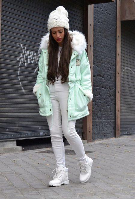 Белые ботинки: женские и мужские, зимние, со стразами