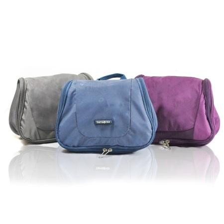 ce02574ec057 Большой выбор косметичек предлагает бренд Reisenthel, известный  качественными и практичными сумками. Они интересно выглядят, вместительны,  имеют красивые ...